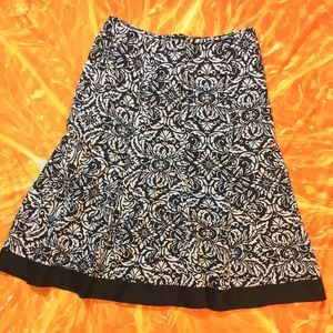 Gorgeous Ann Taylor midi skirt